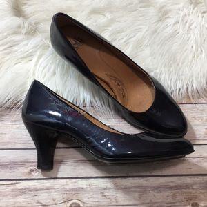 Sofft Heels blackish purple leather Career Size 11